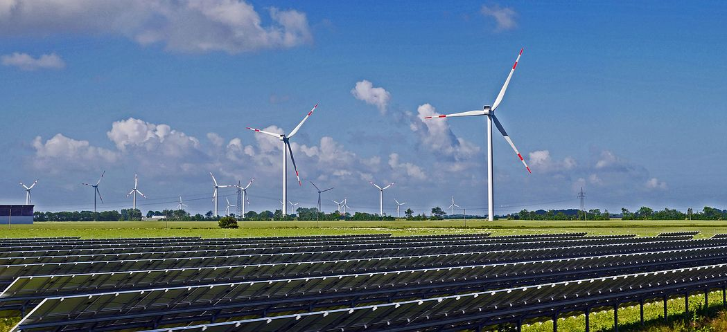 Solarpark und Windenergie